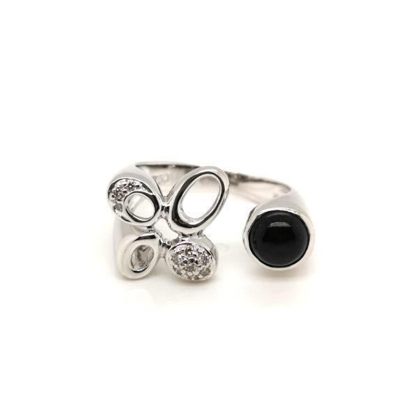 18K White Gold Diamond Stone Ring