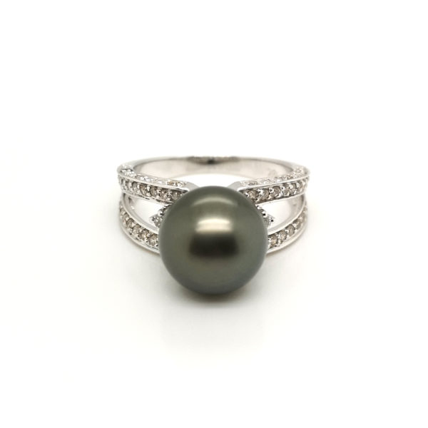 18K White Gold Diamond Pearl Ring