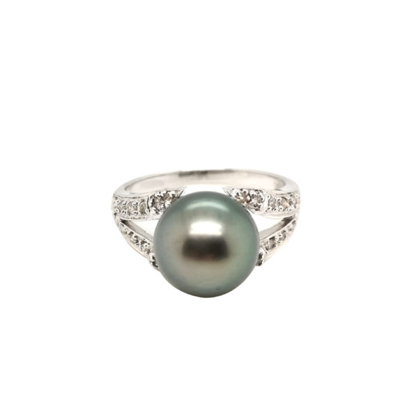 18K White Gold Diamond Grey Pearl Ring